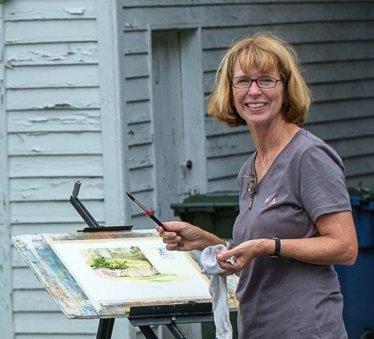 Stacey Sass at Plein Air Easton - Note the MFA shirt!